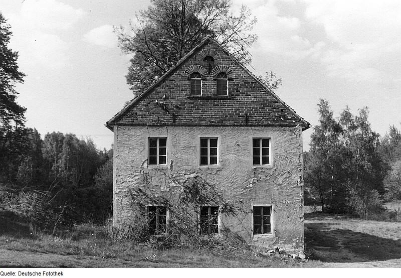 Die ehemalige Obermühle von Bernsdorf-Zeißholz als heutiges Wohnhaus in Frontansicht